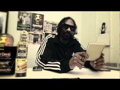 Snoop Dogg Rolling Words. . .only Snoop lol what-people-can-do