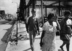 The summer Detroit burned: Powerful TIME images show aftermath of race riots of 1967 State Of Michigan, Detroit Michigan, Detroit Riots, Detroit History, Powerful Pictures, Life Pictures, Black Women Fashion, Civil Rights, Thing 1 Thing 2