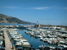 Menton: Port with its boats and yachts - France-Voyage.com