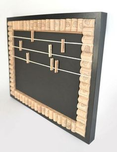 Don't throw out those wine corks. Save them to make this funky cork memo board. Wine Craft, Wine Cork Crafts, Wine Bottle Crafts, Wooden Crafts, Crafts With Corks, Wine Cork Art, Wine Cork Boards, Wine Cork Projects, Wine Bottle Corks