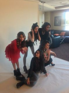Look at Lauren. She's looking at Ally like she's crazy lol