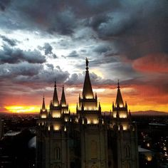"""See Temple Square on Instagram: """"The season of amazing sunsets is here! What is your favorite place to watch the #sunset in Salt Lake City? . . . . . . . . . #utah…"""""""