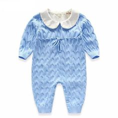 This jumpsuit is really sweet and tender and it's ideal for your little one'sfirst months because it's made of cotton and it's gentle on your baby's skin. Material: CottonSizes: from 0 to 18 monthsColors: blue, pink