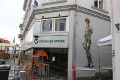 Martin Whatson - Paris More: http://thestreetartcurator.com/street-art-showcase-martin-whatson/