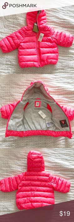 Baby Gap Luxury Down Alternative Jacket ❤️ Adorable pink polka dot jacket ❤️ Luxury down alternative ❤️ 0-6 months ❤️ New with tags ❤️ Perfect for the upcoming winter ❤️ GAP Jackets & Coats Puffers