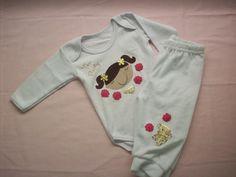 """Conjunto para bebê da coleção """"Tea Party"""" contendo body em malha e calça em plush"""