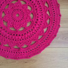 Ganchillo tapete alfombra  fucsia por ColouredYarn en Etsy