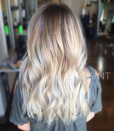 71 most popular ideas for blonde ombre hair color - Hairstyles Trends Balayage Blond, Blonde Ombre, Sombre Hair, Ash Blonde, Hair Color And Cut, Ombre Hair Color, Looks Cool, Looks Style, Blonde Hair Goals