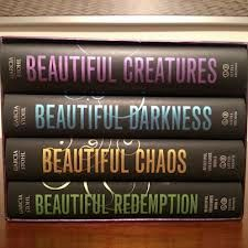 Beautiful Creatures Series by Kami Garcia & Margaret Stohl - just started this one I Love Books, Great Books, Books To Read, My Books, Amazing Books, Beautiful Creatures Series, Creature Movie, Kami Garcia, Book Boyfriends