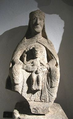 Madonna z Goźlic Madonna, Romanesque Art, Mystique, Old Clothes, Christian Art, Mother And Child, Kirchen, Art And Architecture, Baroque