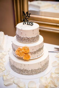 chic cake. Photo by Powers Photography.