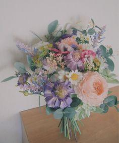 <オーダーメイド> アーティフィシャルフラワー(造花)のウェディングブーケ