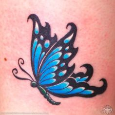 Butterfly Tattoo Ideas And Meaning - Kool Tattoos Ideas and Galleries Kunst Tattoos, Bild Tattoos, Love Tattoos, Beautiful Tattoos, Body Art Tattoos, Small Tattoos, Tatoos, Purple Butterfly Tattoo, Butterfly Tattoo On Shoulder