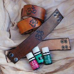 DWL1 - Etched Leather Essential Oil Diffuser Cuff 'OM'