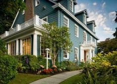 Chambered Nautilus Bed and Breakfast Inn in Seattle Washington from $119/ night