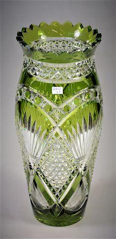 Val Saint Lambert Vase Léon en cristal clair doublé vert de Chine taille 'Andover' - +/- 1900 - H 35 cm.