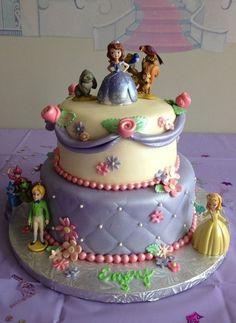 Sofia The First – Disney's Newest Princess Cake Princess Sophia Cake, Princess Sofia Party, Princess Disney, Princess Birthday, Bolo Sofia, Sofia Cake, Sofia The First Birthday Cake, Birthday Cake Girls, 5th Birthday