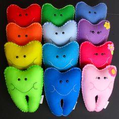 Fée des dents colorées oreillers - personnalisés by RainbowCuties on Etsy