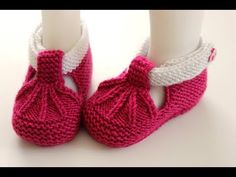 Diy Crafts - Gorgeous pink crochet baby dress set with shoes and a crown, this one is lightweight and beautiful for summer Knit Boots, Booties Crochet, Crochet Baby Shoes, Baby Boots, Crochet Baby Booties, Crochet Slippers, Baby Girl Dress Design, Baby Booties Free Pattern, T Bar Shoes