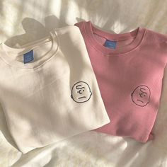 Image about fashion in my uploads by c on We Heart It Teen Fashion Outfits, Casual Outfits, Cute Outfits, Images Noêl Vintages, Stylish Hoodies, Clothing Photography, Embroidered Clothes, Aesthetic Clothes, Just In Case