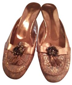Enzo Angiolini Gold Flats Brocade Mules. Get the must-have mules of this season! These Enzo Angiolini Gold Flats Brocade Mules are a top 10 member favorite on Tradesy. Save on yours before they're sold out!