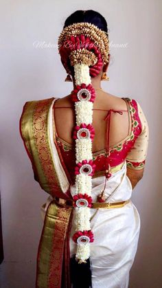 South Indian Wedding Hairstyles, Bridal Hairstyle Indian Wedding, Bridal Hair Buns, Bridal Braids, Bridal Hairdo, Dress Hairstyles, Bride Hairstyles, Hair Design For Wedding, Hair Garland