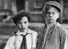 Mickey Rooney and Freddie Bartholomew in 'Little Lord Fauntleroy' . Hooray For Hollywood, Hollywood Stars, Classic Hollywood, Old Hollywood, Freddie Bartholomew, Old Movie Stars, Old Movies, Broadway, Comedy