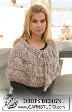 Ponchos & Shawls - Free knitting patterns and crochet patterns by DROPS Design Knitted Capelet, Knit Cowl, Crochet Shawl, Knit Crochet, Crochet Granny, Knitting Patterns Free, Knit Patterns, Free Knitting, Free Pattern