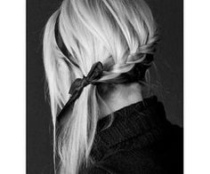 a bow&a; braid. cant get any bettter<3