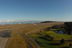 How lucky are we to have days like this in January @FlyYQQ? What a beautiful day for flying with @WestJet to #Comox!