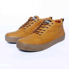 Brave Narbone, Warna: Brown, Size : 40-44. Untuk Pemesanan Online Kunjungi : www.rockford-footwear.com *Gratis pengiriman ke seluruh Indonesia Email: contact@rockford-footwear.com Pin : 525B26DF Atau...