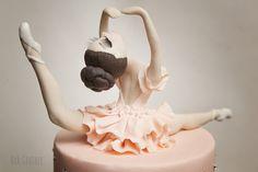 PASTA Ballet Birthday Cakes, Ballet Cakes, 13 Birthday Cake, Elegant Birthday Cakes, Ballerina Cakes, Fondant Cake Tutorial, Fondant Cupcakes, Cupcake Cakes, Dance Cakes