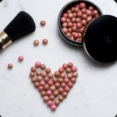 Oriflame Beauty Products, Best Makeup Products, Nu Skin Products, Giordani Gold Oriflame, Galvanic Body Spa, Bronzing Pearls, Oriflame Business, Makeup Illustration, Different Skin Tones
