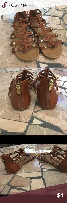 Steve Madden sandals Steve Madden size 6 short gladiator sandals my Hannah outgrew. Good used condition Steve Madden Shoes Sandals