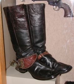 Jesse James' boots Gangsters, Jesse James Outlaw, Old Pictures, Old Photos, Jessy James, Wild West Outlaws, Cowboy And Cowgirl, Cowboy Spurs, Cowboy Boots