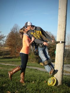 I am beyond in love with these adorable lineman pics, someone pleas take them of Justin and me!