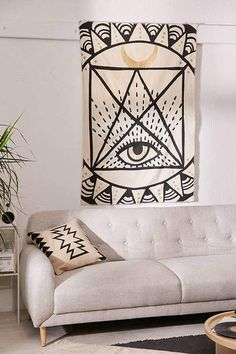 Urban Outfitters Graphic Eye Tapestry || obsessed with this tapestry! I want it, but I also know my cat will try and rip it down #ad