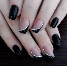 Black french nails with rhinestones unhas decoradas faceis, unhas decoradas delicadas, unhas delicadas, Classy Nails, Fancy Nails, Trendy Nails, Diy Nails, Cute Nails, Classy Nail Designs, Nail Polish Designs, Nail Art Designs, Black French Nails