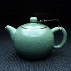 Classic Chinese Tea Pot, Celadon with Crackle-Glazing - 280 ml