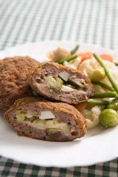 Татарски кюфтета Bulgarian Recipes, Bulgarian Food, Meatball Recipes, Meat Recipes, My Favorite Food, Favorite Recipes, Queens Food, Food To Make, Tasty