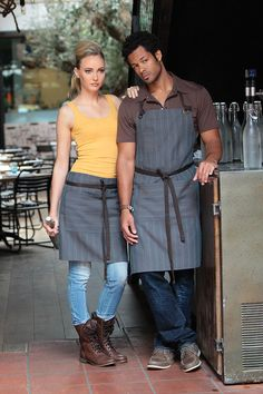 The NEW Brooklyn Apron Family By CHEF WORKS. Add these aprons to your cafe or restaurant uniform for a stylish and on-trend look. Cafe Uniform, Waiter Uniform, Staff Uniforms, Work Uniforms, Work Fashion, Diy Fashion, Urban Trends, Chef Apron, Work Wear