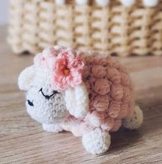 Beginner Crochet Projects, Crochet For Beginners, Crochet Crafts, Crochet Toys, Baby Sheep, 3d Pattern, Amigurumi Toys, Crochet Accessories, Single Crochet