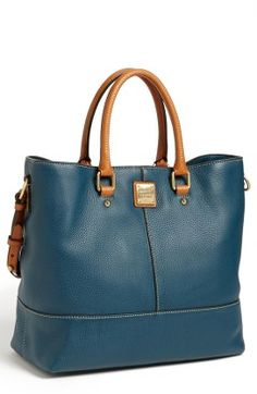 Shop for 'Chelsea - Dillen II Collection' Leather Tote by Dooney & Bourke at ShopStyle. Estilo Fashion, Look Fashion, Fashion Bags, Beautiful Handbags, Beautiful Bags, Leather Purses, Leather Handbags, Tote Bag, Crossbody Bag