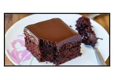 Here's for you the deliciously awesome The Best Chocolate Cake With Chocolate Ganache. So just go and grab this recipe now! Super Moist Chocolate Cake, Eggless Chocolate Cake, Best Chocolate Cake, Chocolate Ganache, Delicious Chocolate, Crazy Cakes, Sweet Recipes, Cake Recipes, Chocolate Sauce Recipes