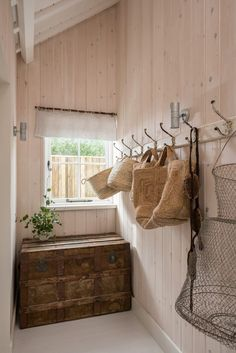 Here are some doable living room decor and interior design tips that will make your home cozy and comfortable for family and friends. Interior, Cottage Style, Home, Beautiful Tile Bathroom, Wooden Cottage, Cottage Interiors, Cornwall Cottages, Beautiful Bathrooms, Scandinavian Cottage