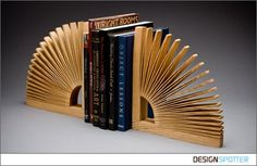 Products / Abanico Bookends / DESIGNSPOTTER.COM