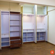 A lot of shelves help you organize your closet better! Bedroom Cupboard Designs, Wardrobe Design Bedroom, Bedroom Cupboards, Bedroom Decor, Bathroom Designs, Wardrobe Internal Design, Modular Wardrobes, Bed Photos, Home Organisation