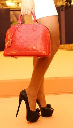 Order for replica handbag and replica Louis Vuitton shoes of most luxurious designers. Sellers of replica Louis Vuitton belts, replica Louis Vuitton bags, Store for replica Louis Vuitton hats. Louis Vuitton Handbags, Purses And Handbags, Bling Bling, Fashion Bags, Fashion Accessories, Fashion Handbags, Dior, Baskets, Gucci