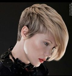 Asymmetric Short Haircut for Thick Hair