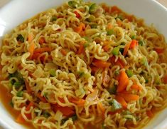 After a long, tiring day when you reach home, it's disappointing to see the refrigerator empty and being stuck with only a packet of Maggi noodles. But even that one packet of Maggi noodles can do wonders if you know what to do with it. Indian Snacks, Indian Food Recipes, Ethnic Recipes, Maggi Masala, Maggi Recipes, Chaat Masala, Masala Recipe, Easy Food To Make, Noodle Recipes